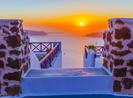 11+1 Things to do When in Santorini